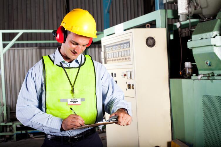 Как работает служба охраны труда на предприятиях?