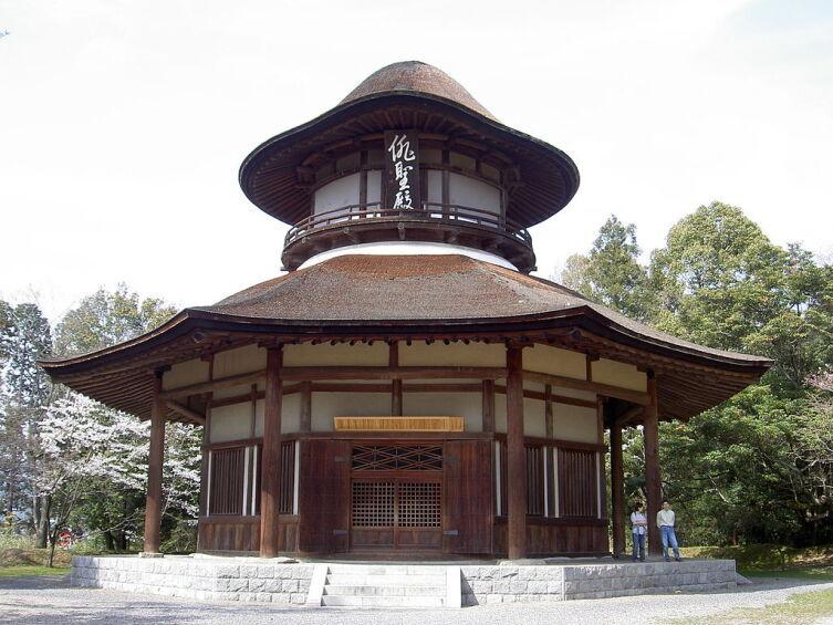 Haiseiden — мемориальный зал в городе Ига, который был построен в честь 300-летия со дня рождения японского поэта Мацуо Басё