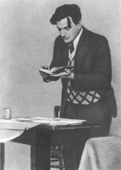 В. В. Маяковский в 1930 г.