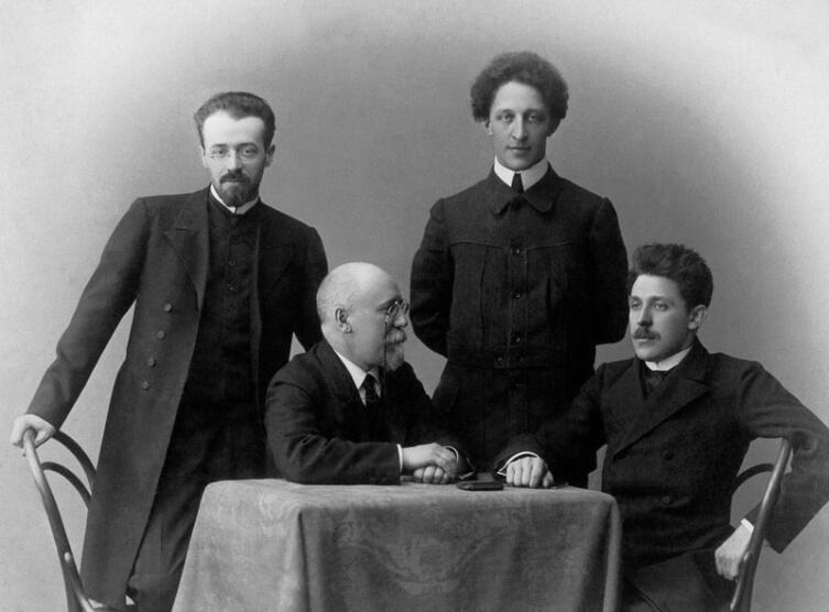Константин Эрберг, Фёдор Сологуб, Александр Блок, Георгий Чулков. 1908 г.