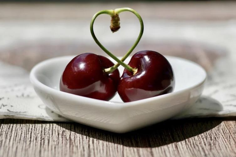 При каких проблемах со здоровьем поможет вишня?