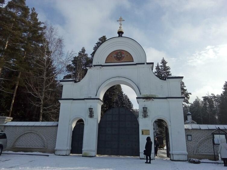 Где находится единственный в мире монастырь в честь святой блаженной Ксении Петербургской?