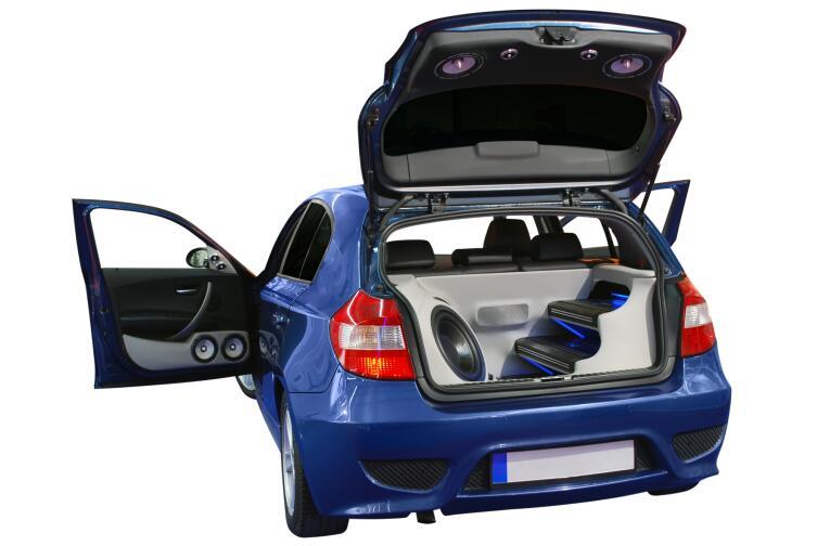 Как сделать качественный сабвуфер в автомобиле?