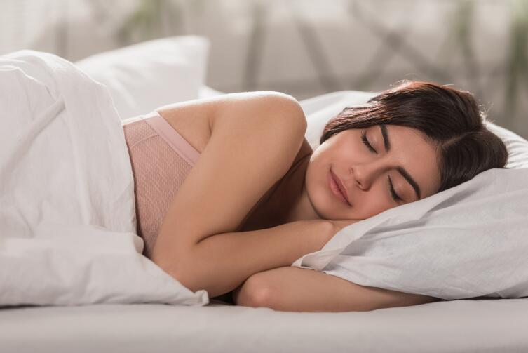 Спать лучше на левом боку