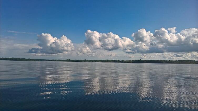 Озеро Стерж, в которое впадает Волга. Осташковский район, Тверкая область