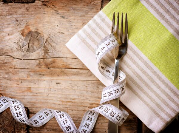 Популярная диетология: поможет ли похудеть «правило вилки»?