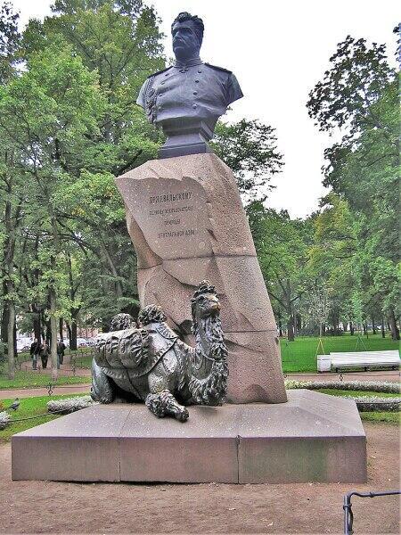 Памятник в Александровском саду