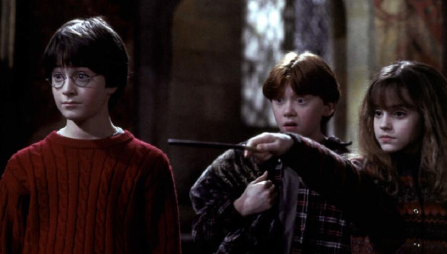Гарри, Рон и Гермиона. Кадр из кинофраншизы «Гарри Поттер»