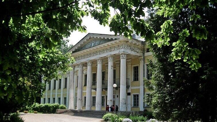Дворцово-парковый ансамбль Булгаков