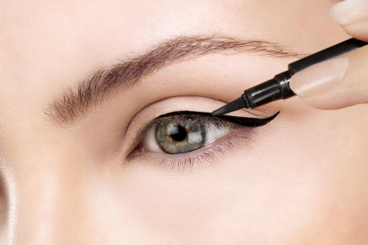 Макияж глаз: как сделать идеальные стрелки?