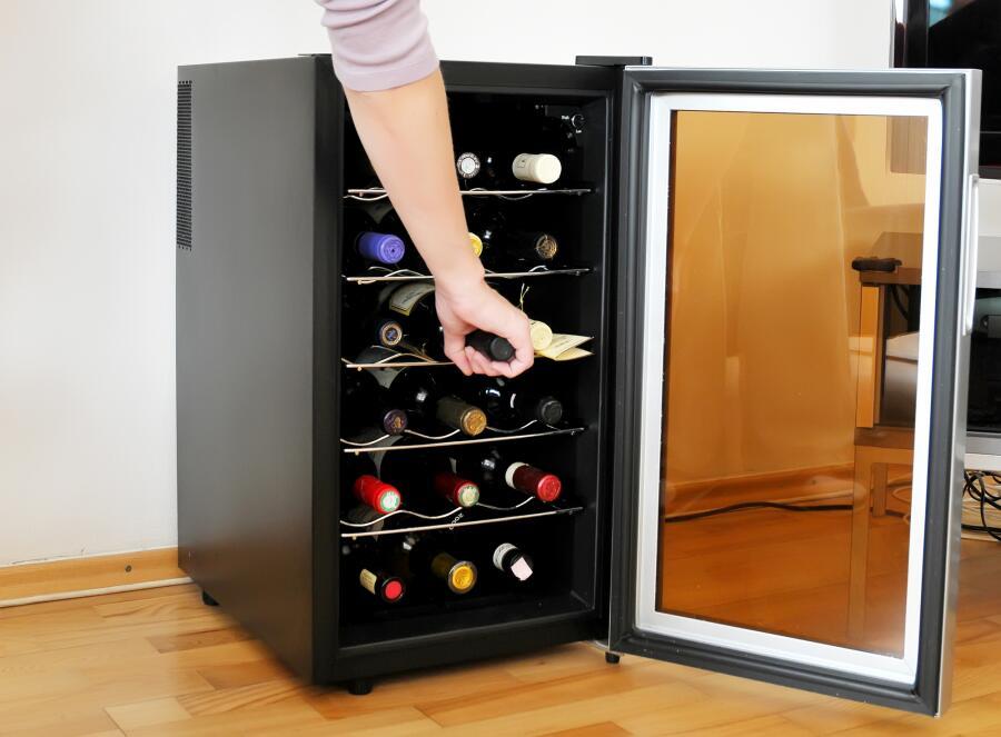 Зачем нужен винный холодильник?