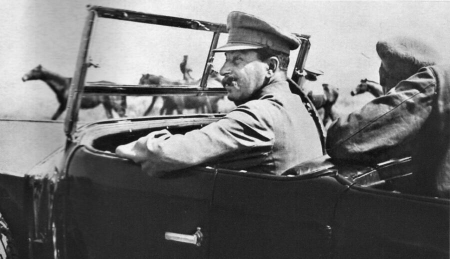На каких машинах передвигался Сталин?