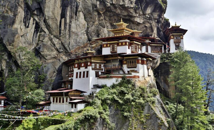 Монастырь Такцанг-лакханг («гнездо тигрицы»), Бутан