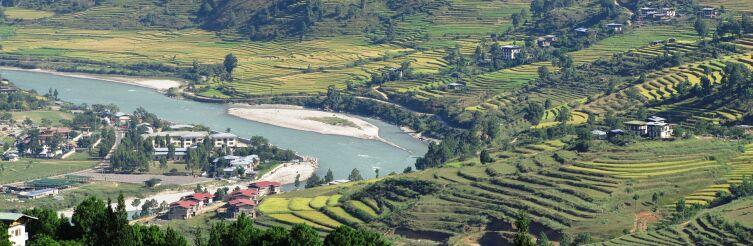 Вид на сельхоз угодья. Бутан