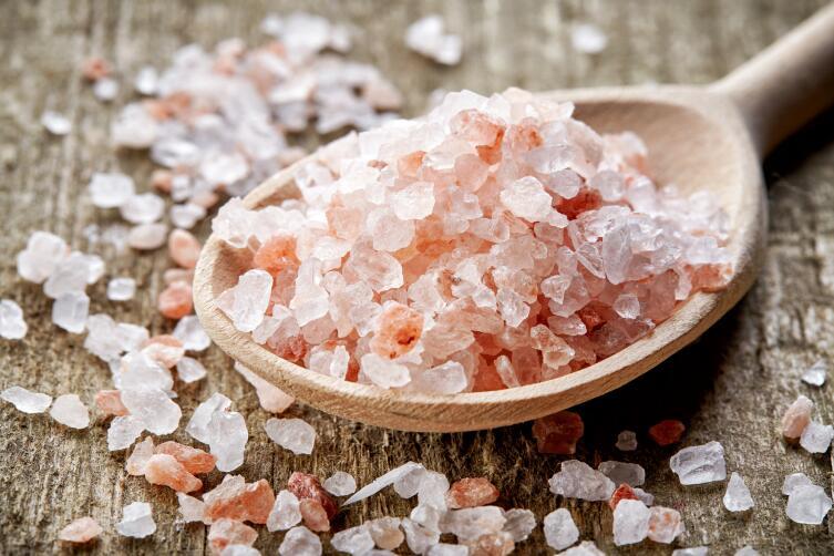 Ложка розовой гималайской соли