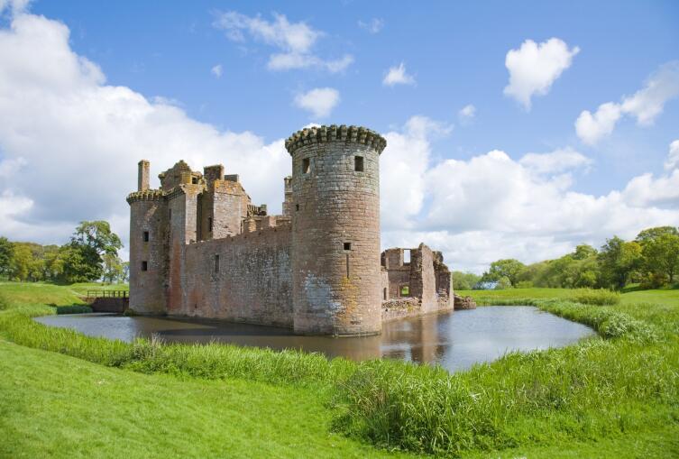 Замок Керлаверок. Шотландия