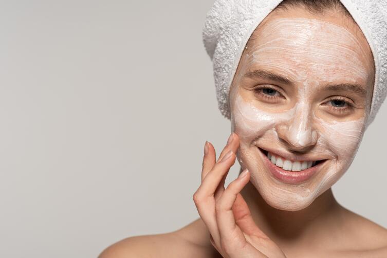 Что выбрать для омолаживающей маски — крахмал или ботокс?