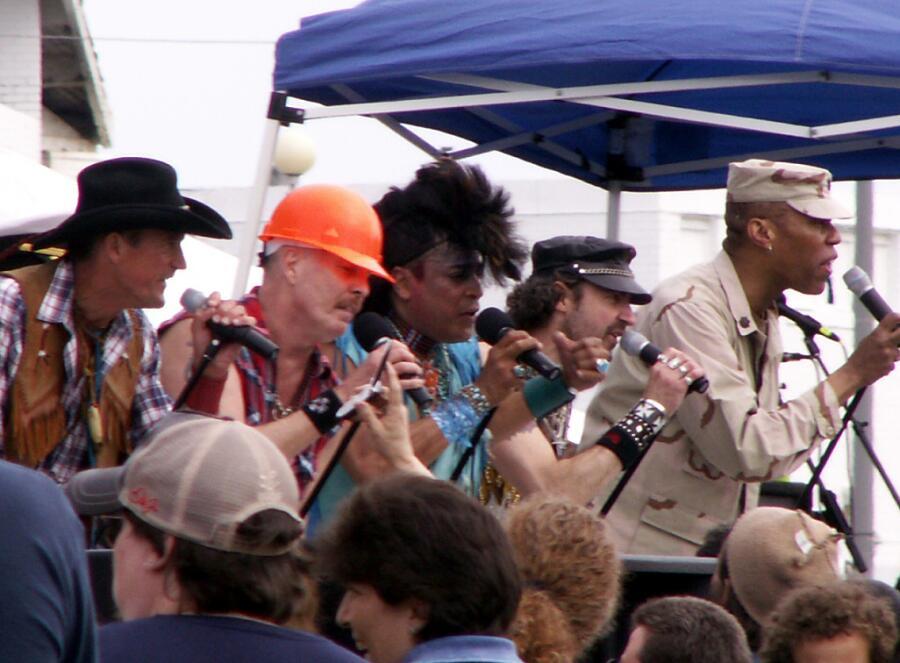 Village People на выступлении в Асбари-Парк в Нью-Джерси, 2006 г.