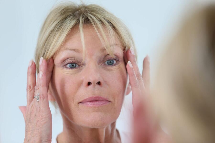 Антивозрастные средства для лица — уход после 60 лет