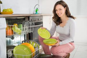 Посудомоечная машина. Стоит ли покупать и каковы ее особенности?