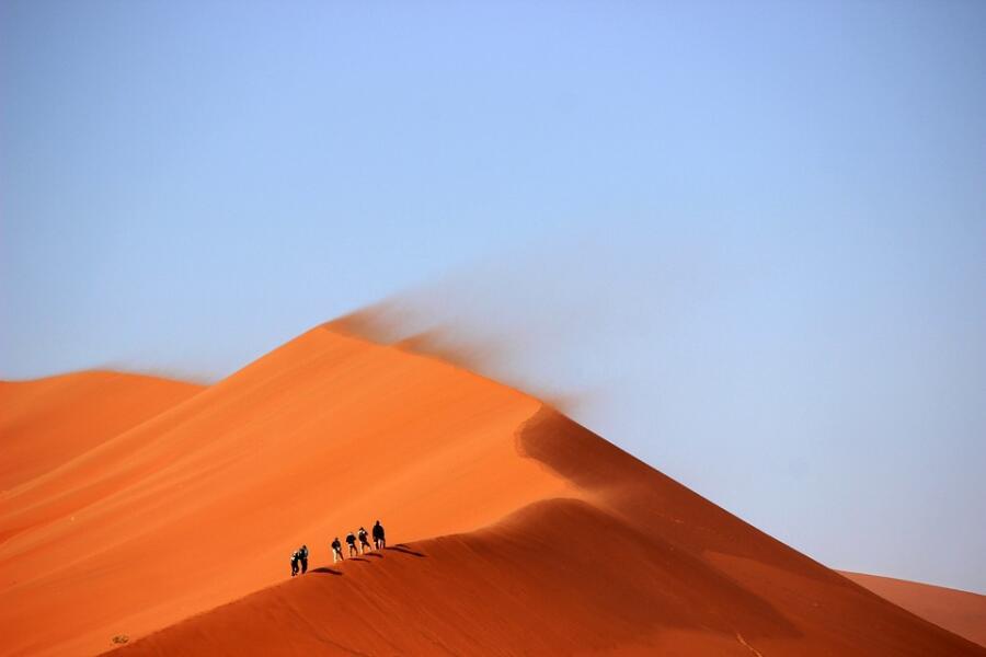 Толщина песчаного слоя в пустыне: какова она на самом деле?