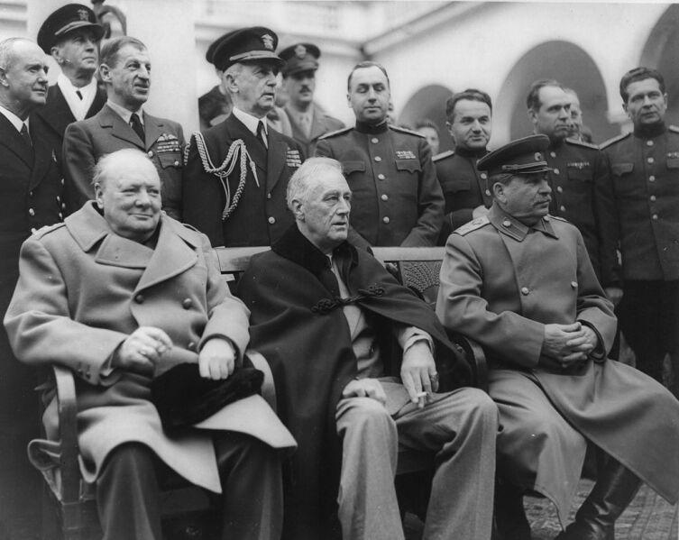 Черчилль, Рузвельт, Сталин на Ялтинской конференции. Февраль 1945 г.