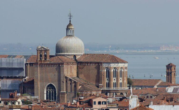 Вид на собор с колокольни Сан-Джорджо