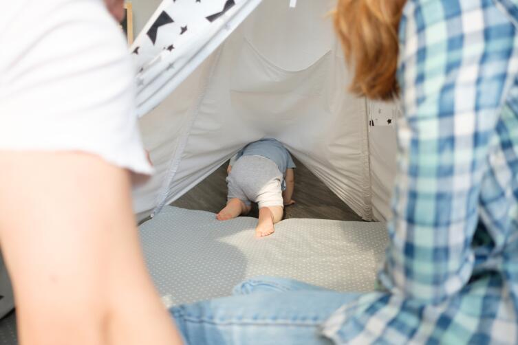 Как смотреть за малышом? Советы молодым родителям