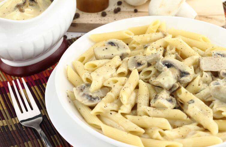Как приготовить соусы к пасте? Дадим волю фантазии!