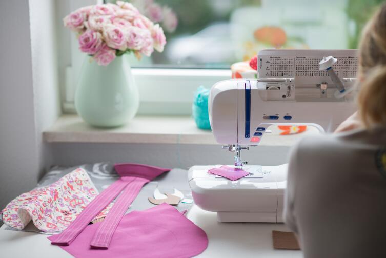 Появление швейной машинки стало прорывом в модной индустрии