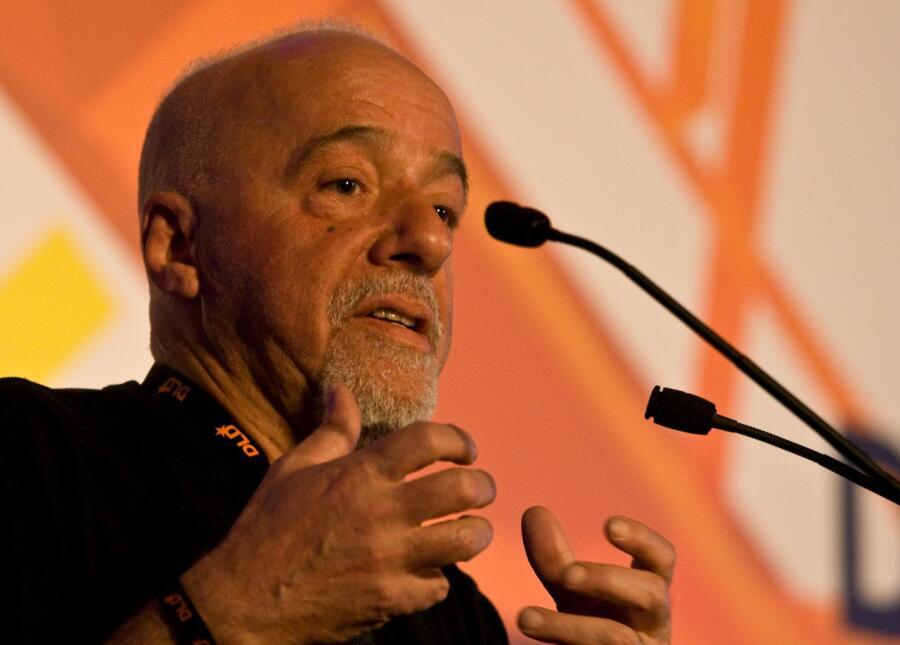 История одного писателя: как Пауло Коэльо добился осуществления своей мечты?