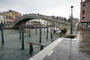 Что посмотреть на прогулке по Венеции? Мост Скальци