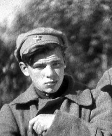 Георгий Жжёнов в роли ординарца Терёшки в фильме «Чапаев». 1934 г.