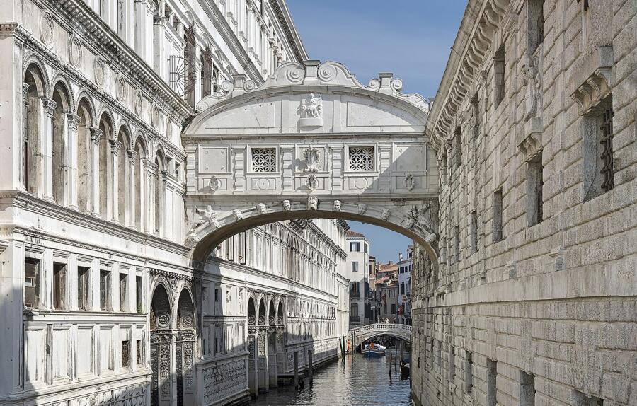 Что посмотреть на прогулке по Венеции? Мост Вздохов