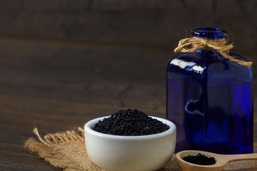 Как применяют масло черного тмина в народной медицине?
