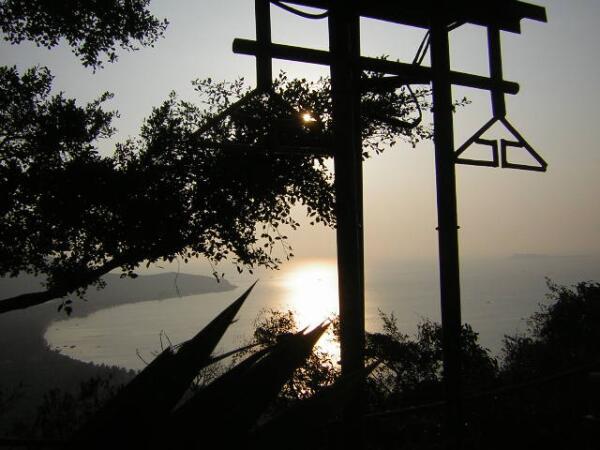Вечерний вид с горы Лухуитоу (Олень, Повернувший Голову)