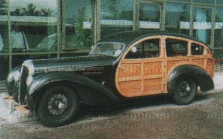 Очень редкий Делайе 135 с деревянным грузопассажирским кузовом.