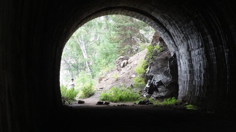 Чем интересна Кругобайкальская железная дорога? Знакомство с «золотой пряжкой Транссиба»