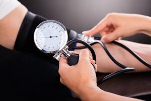 Как бороться с повышенным давлением?  Самые простые способы