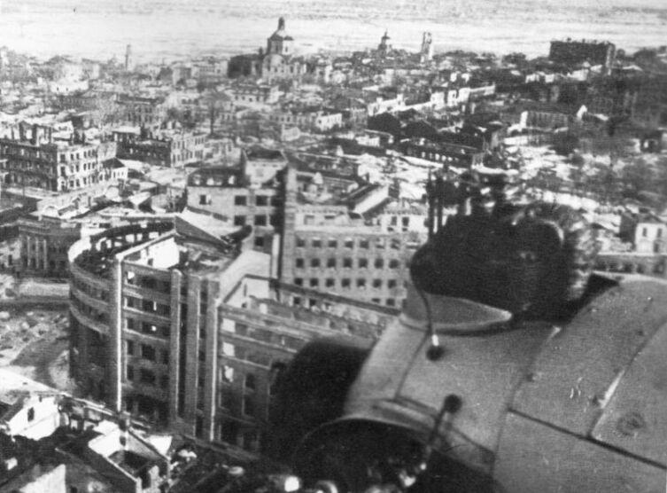 Вид с советского самолета Як-6 на Воронеж после освобождения