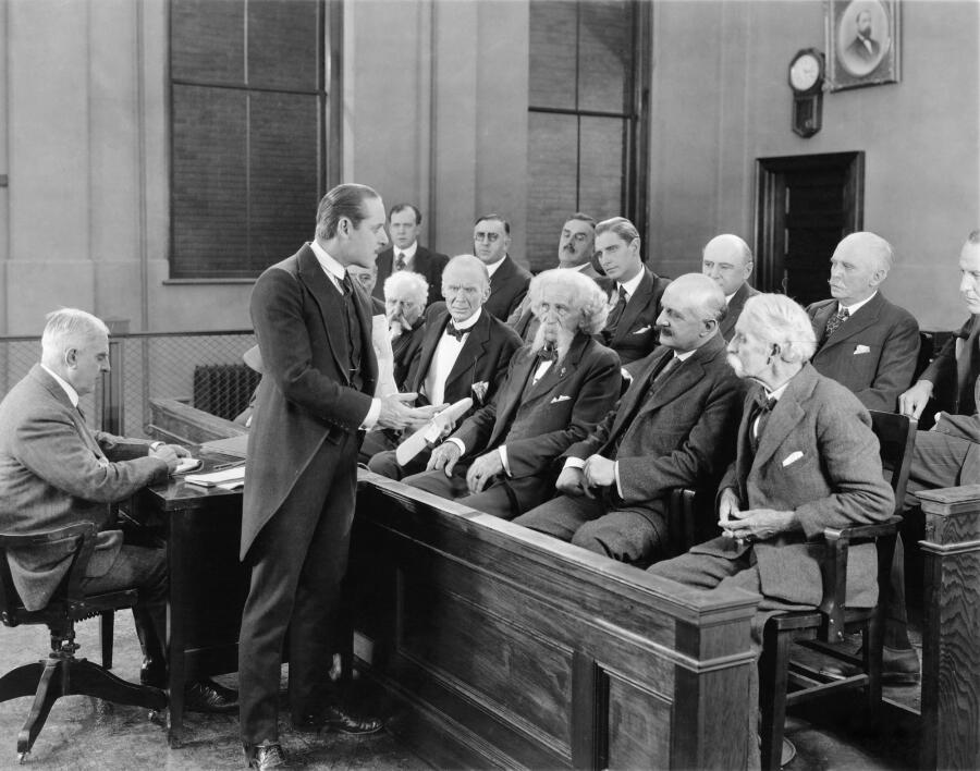 Кто может предстать перед судом? Курьезные судебные процессы