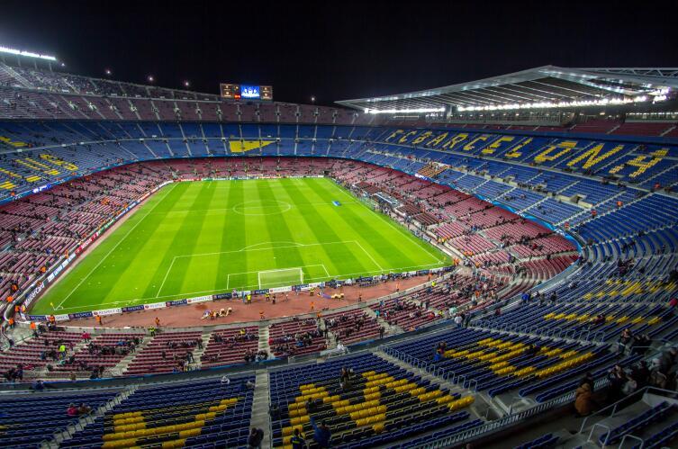 Стадион Камрп Ноу в Барселоне