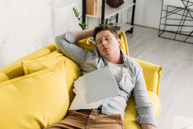 Не стоит путать прокрастинацию с отдыхом