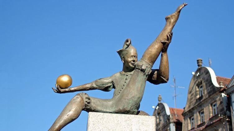 Памятник жонглёрам в Фюрте