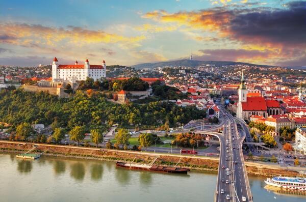Куда поехать из Вены на один день? Часть 1. Братислава
