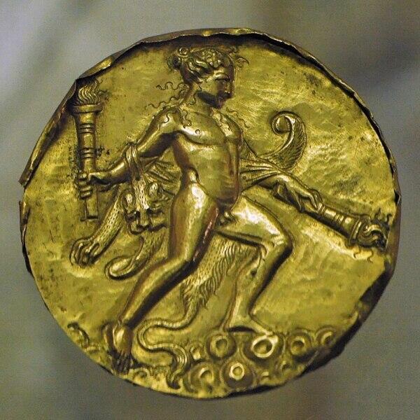 Древнеримская золотая фалера из немецкого музея «Замок линн»