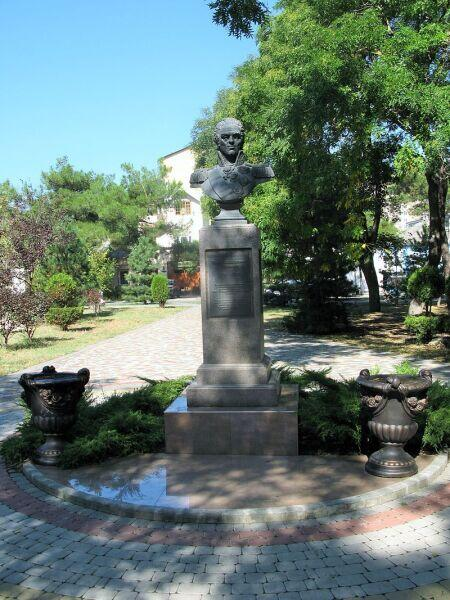 Памятник Ивану Гудовичу в Анапе