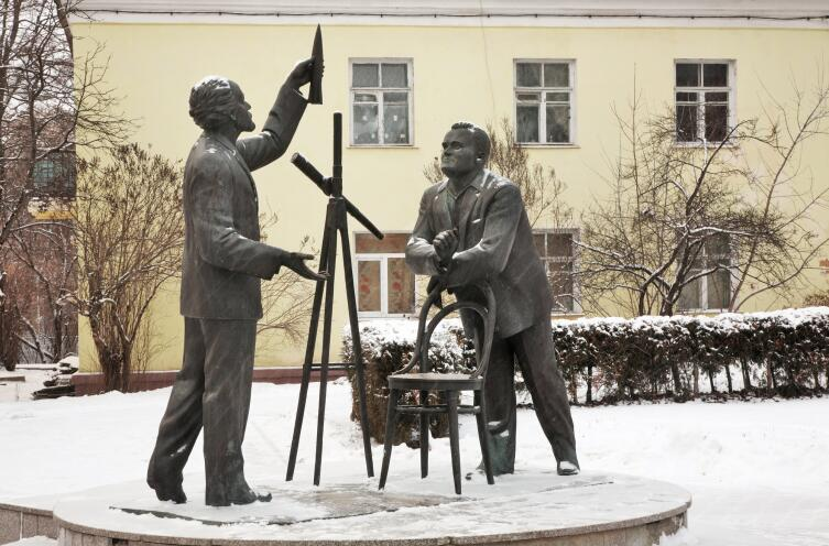 Памятник Циолковскому и Королёву в Калуге
