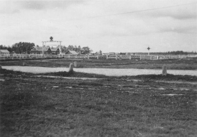 Вид на немецкое кладбище в оккупированном Ржеве