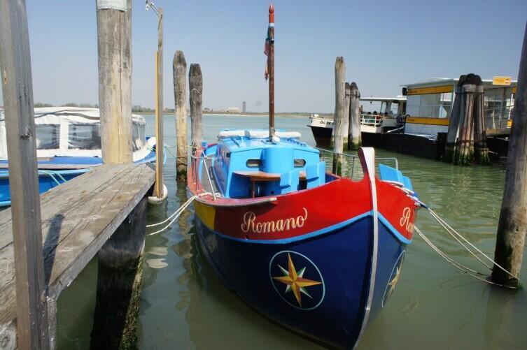 Лодки на Бурано не уступают домам в красоте